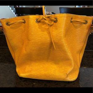 Louis Vuitton Petit Noe shoulderbag